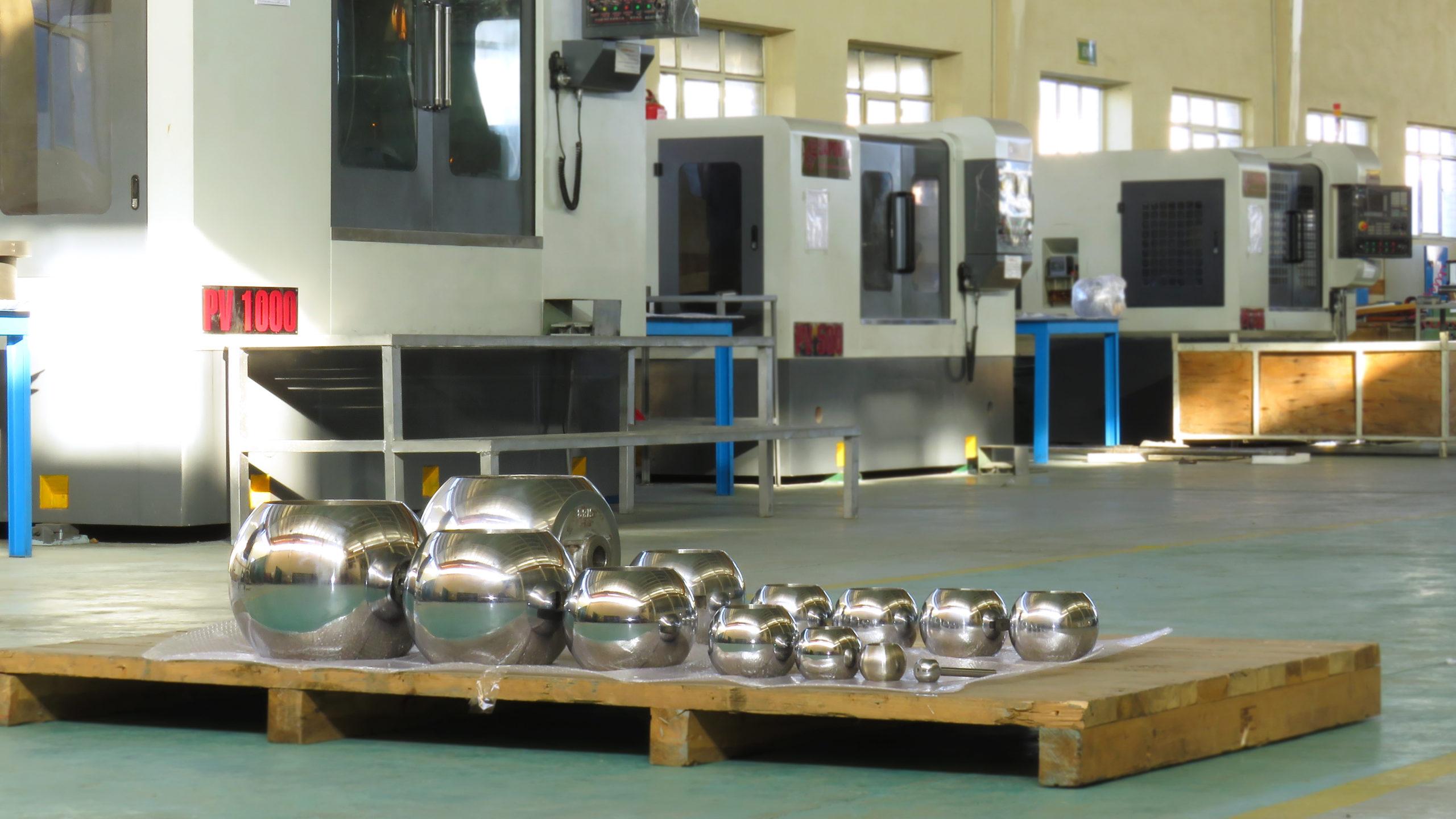 تنها تولید کننده قطعات توپی (ball) از سایز ۱.۲ الی ۳۰ اینچ درتمامی کلاس ها